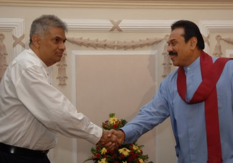 Opposition Leader Ranil Wickremesinghe and President Rajapakse (R)