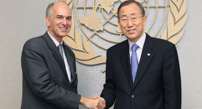 Charles Petrie who headed the Internal Review Panel with UN Secretary General Ban Ki Moon. File photo